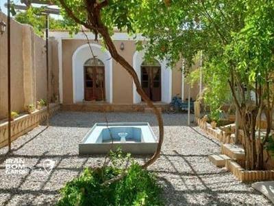 اقامتگاه تاریخی در مرکز شهر ماهان
