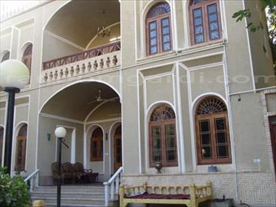 اقامتگاه بوم گردی حاجی خان تفت