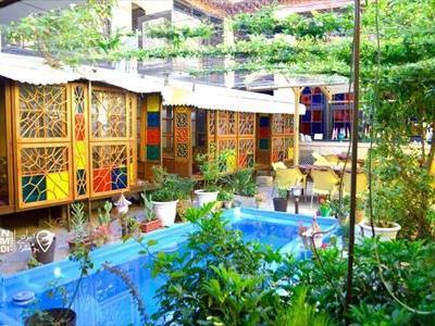 اقامتگاه سنتی نیایش شیراز