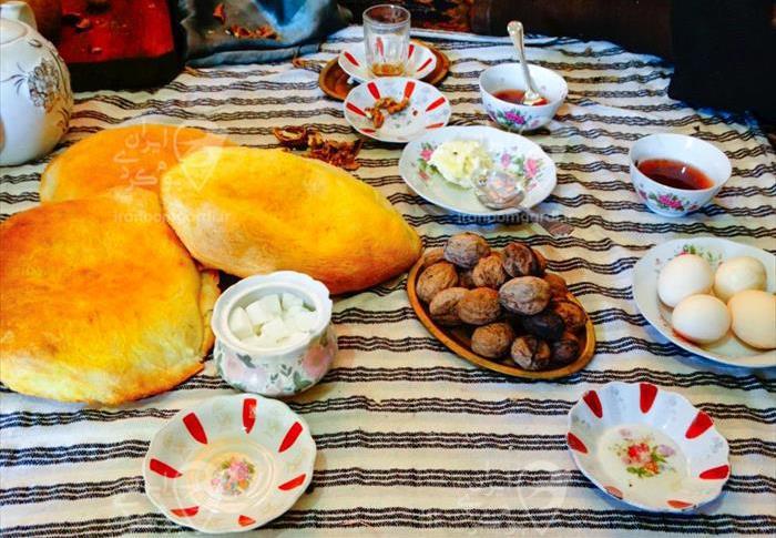 صبحانه محلی و ارگانیک در اقامتگاه خانه مادر بزرگ