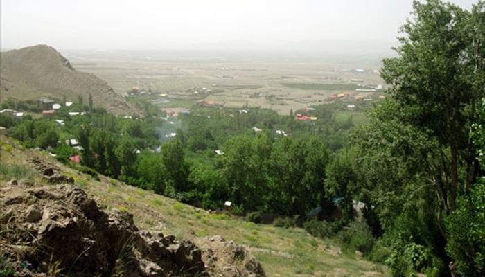 روستاي آينه ورزان