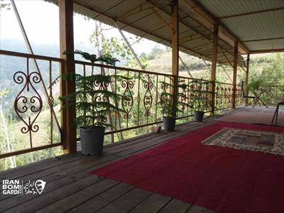 کلبه چوبی سرخ درخت علی آباد کتول
